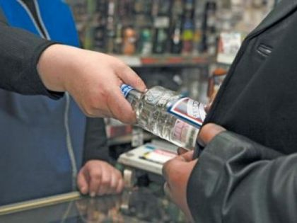 Глава МВД Ростовской области Андрей Ларионов выступил с инициативой запрета продажи спиртного с 20.00 до 11.00