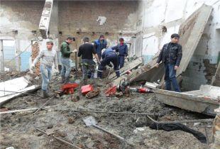 В селе Покровском Ростовской области при обрушении кровли двухэтажного здания пострадали двое мужчин.