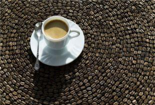 В Ростове 15 лучших мастеров в приготовлении кофе продемонстрировали профессионализм и творческий подход перед именитыми московскими судьями.