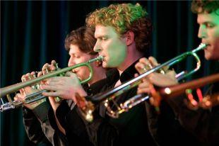 Оркестр представит слушателям программу «Популярная джазовая классика».
