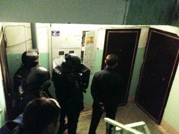 В Ростове за дерзкие ограбления и угоны элитных иномарок задержаны 4 студента.