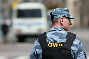 В Ростове из-за подозрительной бесхозной сумки перекрыли улицу Большую Садовую, из-за чего в центре образовалась пробка.