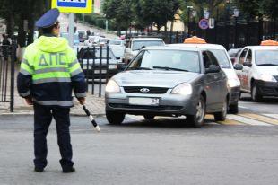 В Ростове маршрутка протаранила полицейский автомобиль.