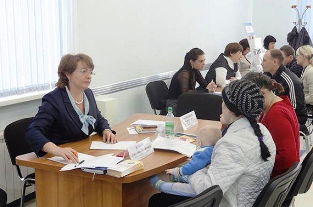 Уполномоченный по правам ребёнка в Хабаровском крае Светлана Жукова проводит приём граждан