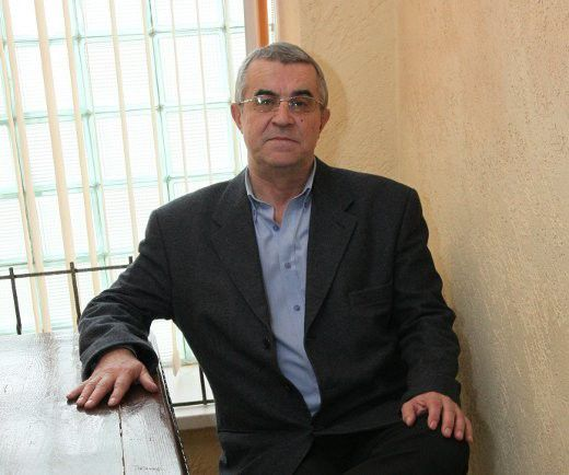 Директор 31-го лицея Александр Попов