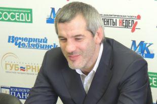 Трехкратный олимпийский чемпион Бувайсар Сайтиев - один из почетных гостей турнира