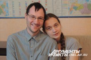 Сергей и Ирина. Максима родители пока не показывают посторонним.