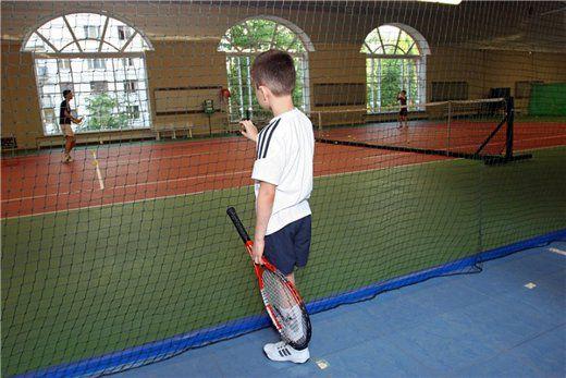 В Челябинске появится бесплатная теннисная школа