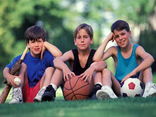 should boys and girls be in the same team at playing sport 5 reasons girls should play sports playing sports can lessen stress and help you feel a little happier and being on a team creates tight bonds between friends.