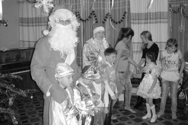 Дети верят в чудеса и под Новый год ждут их с удвоенной силой.