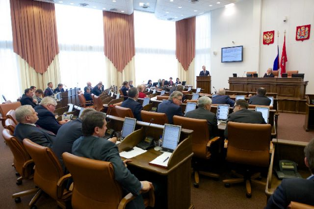 Расходы на реализацию мероприятий госпрограммы «Развитие здравоохранения Приморского края» увеличены на 387 миллионов.