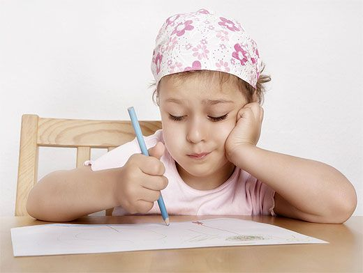 Как правильно держать ребенка чтобы не повредить позвоночник