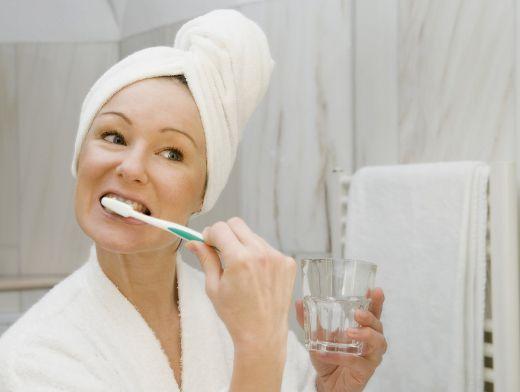 хронический плохой запах изо рта причины