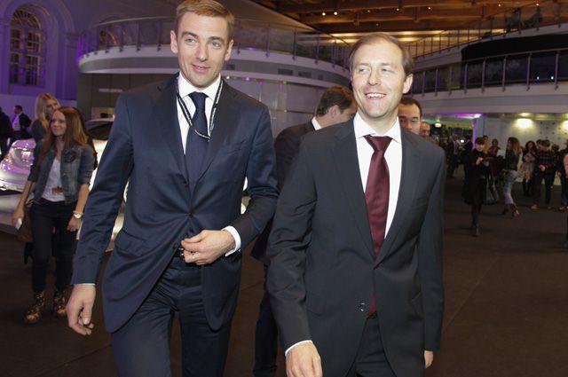 Министр промышленности и торговли Денис Мантуров и его заместитель Виктор Евтухов на неделе моды «Мерседес-Бенц».