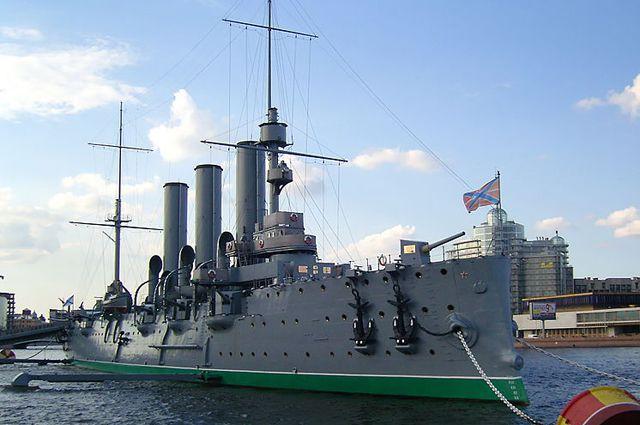 Корабль Революции замер в ожидании ремонта