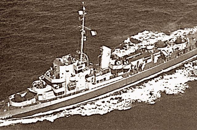 На этом корабле отрабатывали технологии радиомаскировки. А может, и пропаганды.