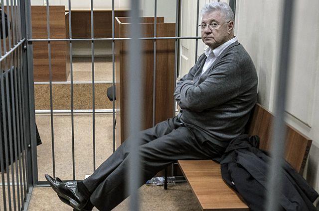 Подозреваемый в получении взятки мэр Астрахани Михаил Столяров.