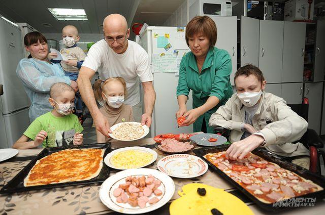 У больных деток плохой аппетит, но им обязательно нужны силы для борьбы с болезнью. Мариан знает, как их вкусно накормить.