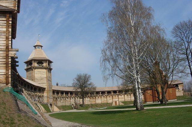 Батуринская крепость (современная реконструкция).