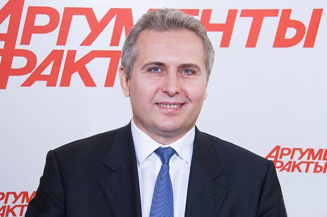 Игорь Суздальцев.