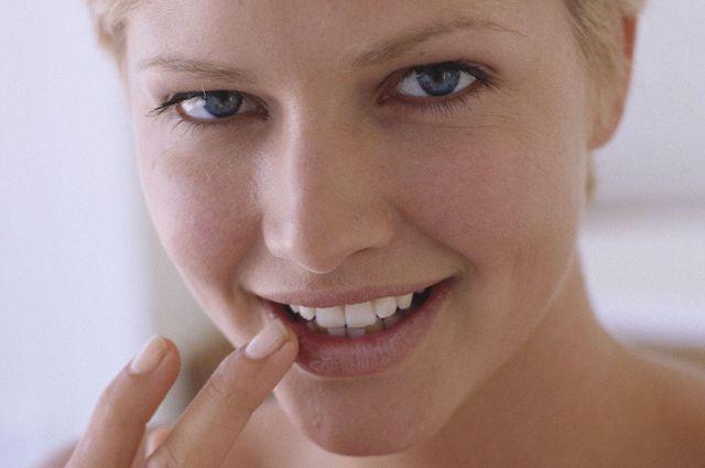 Как избавиться от лихорадки на губе в домашних условиях - Skaruch.ru
