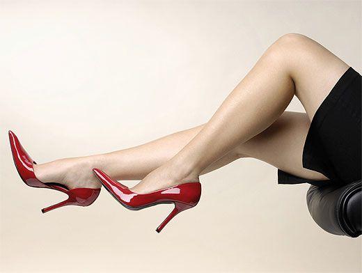 469ca6d99 Красивая обувь калечит наши ноги: чем опасны шпильки, балетки и шлепанцы?