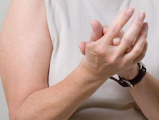 Вредно ли щелкать суставами пальцев болит бёдерный таз правый и колено
