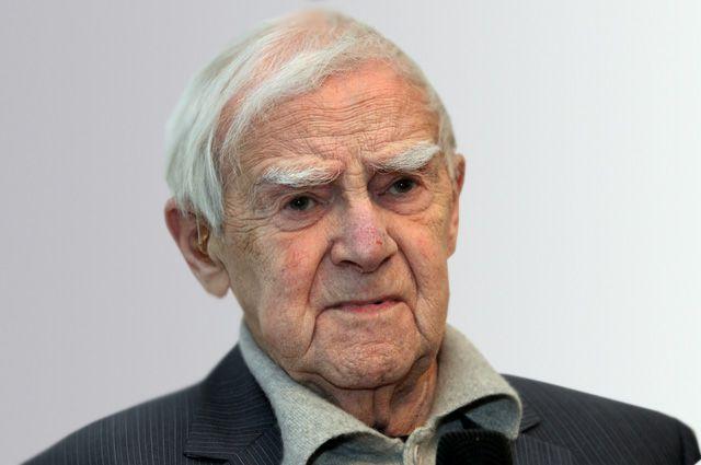 Даниил Гранин.