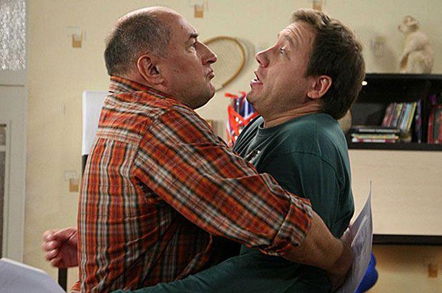 Борис Клюев и Георгий Дронов в сериале «Воронины», 2009 год.