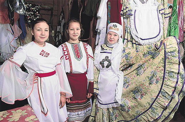 В швейном цехе села Чувашское Дрожжаное шили национальные костюмы для Универсиады в Казани.