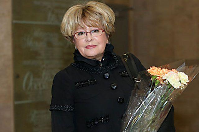 Марина Неелова в Министерстве культуры РФ после получения ордена Почета, 2012 год.