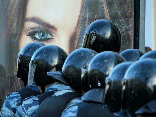 Первый день без чурок на площади:  Возле Красной площади усилили меры безопасности