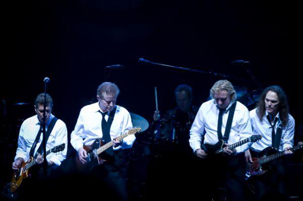 Пятое место у группы The Eagles ($73,5 млн).