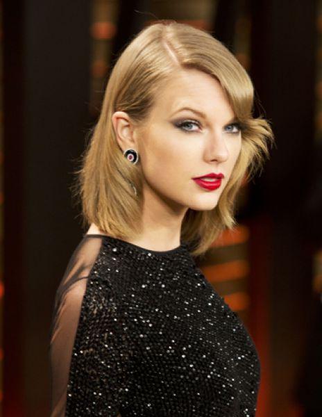 В десятку самых высокооплачиваемых музыкантов мира также вошли певица Тейлор Свифт ($80 млн). Певица заняла четвертое место.
