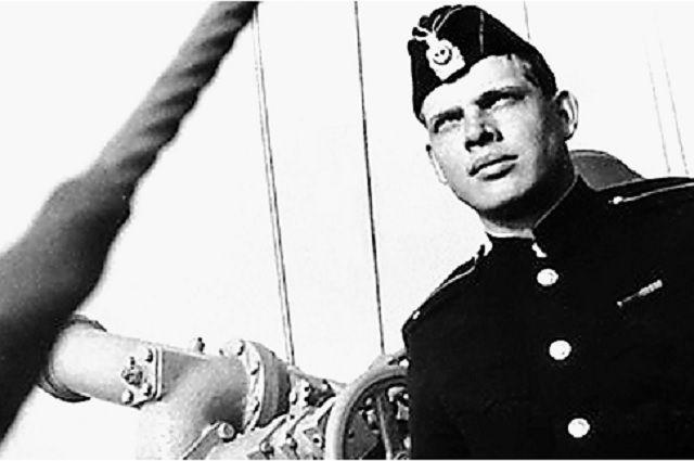 Герман Угрюмов в начале службы на Каспийской флотилии.