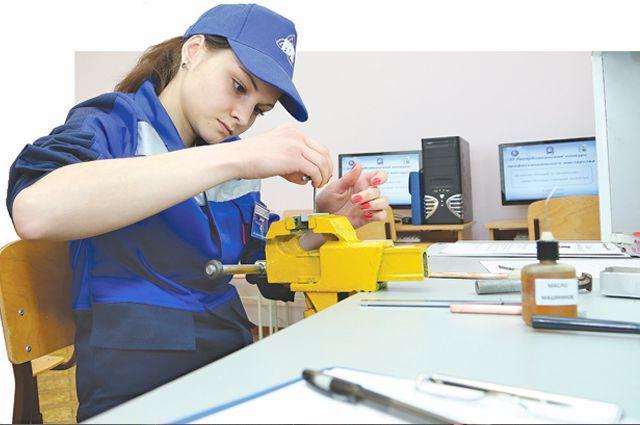 В учебном центре предприятия квалификацию повышают без отрыва от работы.