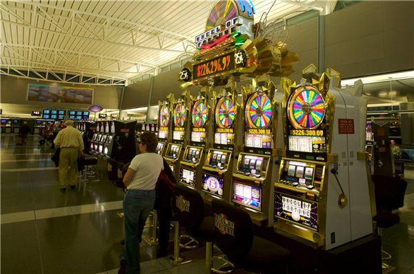 Подпольное казино в краснодаре игровые автоматы crazy monkey онлайнi
