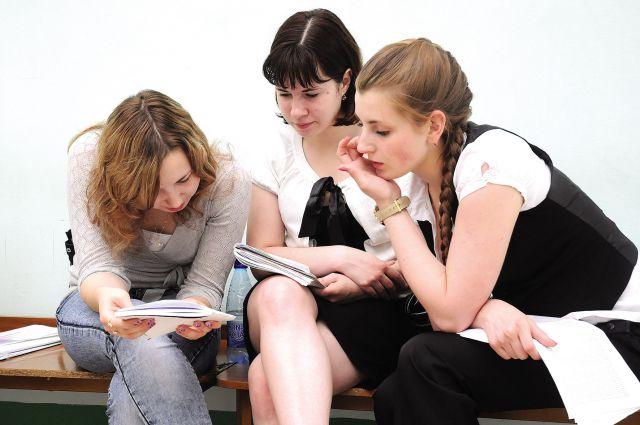 Омские выпускники ищут работу в других регионах.