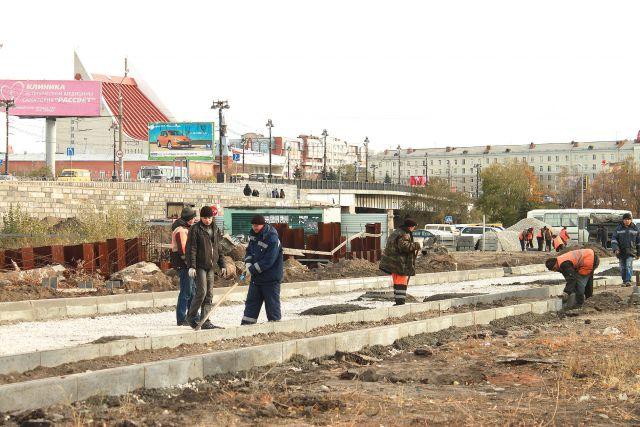 Открыть сквозной проезд в самом центре Омска могли помешать владельцы магазинов и киосков.