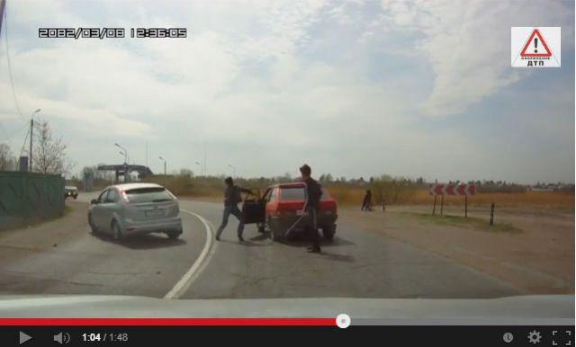 Разборки на дорогах Омска.