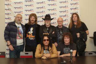 Известные американские рокеры выступили в Омске.