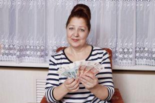 Сбербанк выдает кредиты со ставкой 14,5 % годовых.