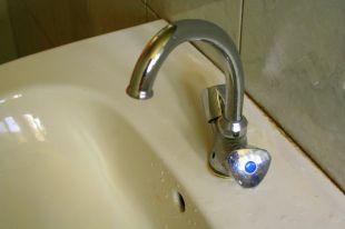 Вода в дома омичей приходит по сетям с высокой степенью износа.