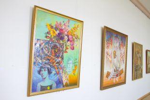 На выставке - работы всех стилей и направлений.