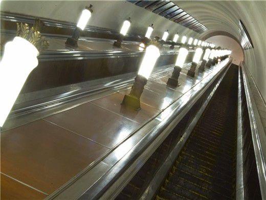 почему было закрыто метро рыбацкое сегодня