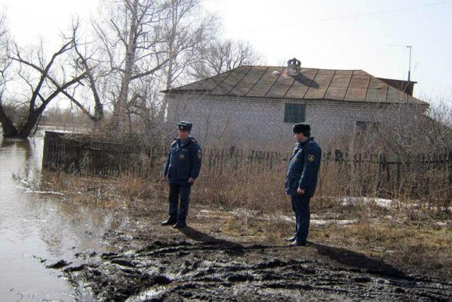 Саратовская область, р/п самойловкаподвесной мост7 апреля 2012 год