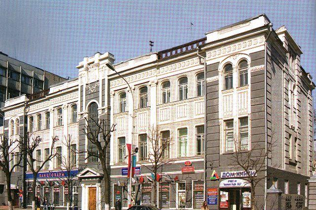 Знаменитый доходный дом Зеленковой в Симбирске, в нем было всего четыре квартиры.