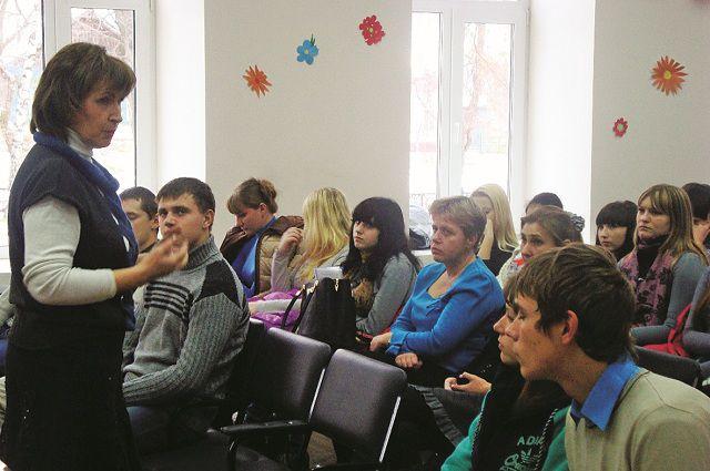 Воспитанники Симбирского кадетского корпуса юстиции на лекции о вреде наркомании,  поселок Карсун