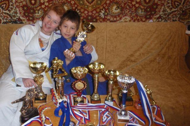 Надежда Гавриленко с сыном Андреем