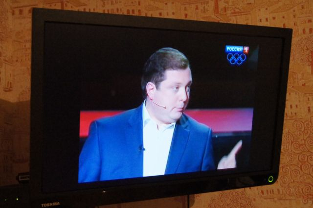 Алексей Островский уверенно выступает на популярном ток-шоу.